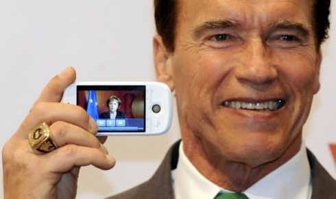 HTC Magic Gets Some Quality Time With Arnold ...