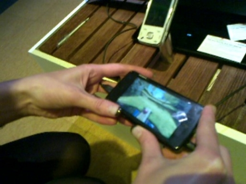 Nokia N900 Runs Bounce Mobile Game Over TV-Out (Video) | GSMDome com