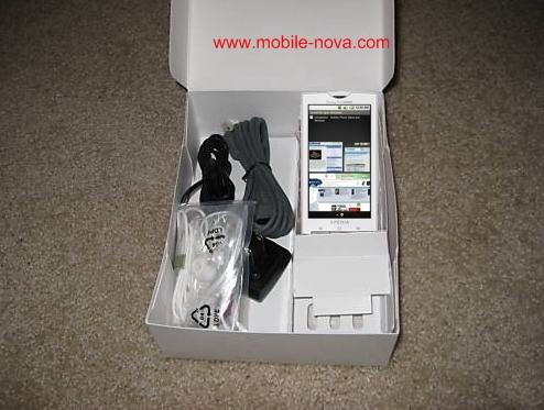 Sony-Ericsson-Xperia-X3-Rachael-unboxed