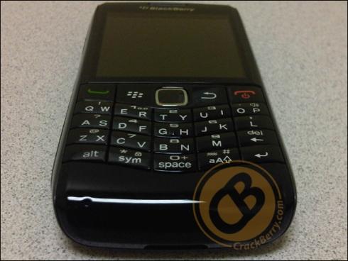 blackberry-pearl-striker-9100-8