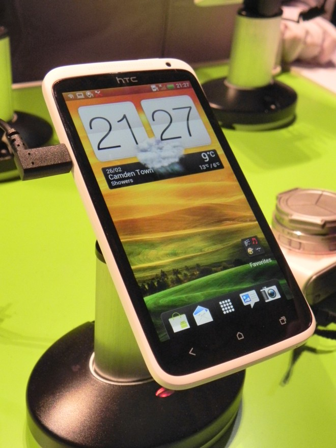 HTC to Start Shipping HTC One Series Smartphones from April 2