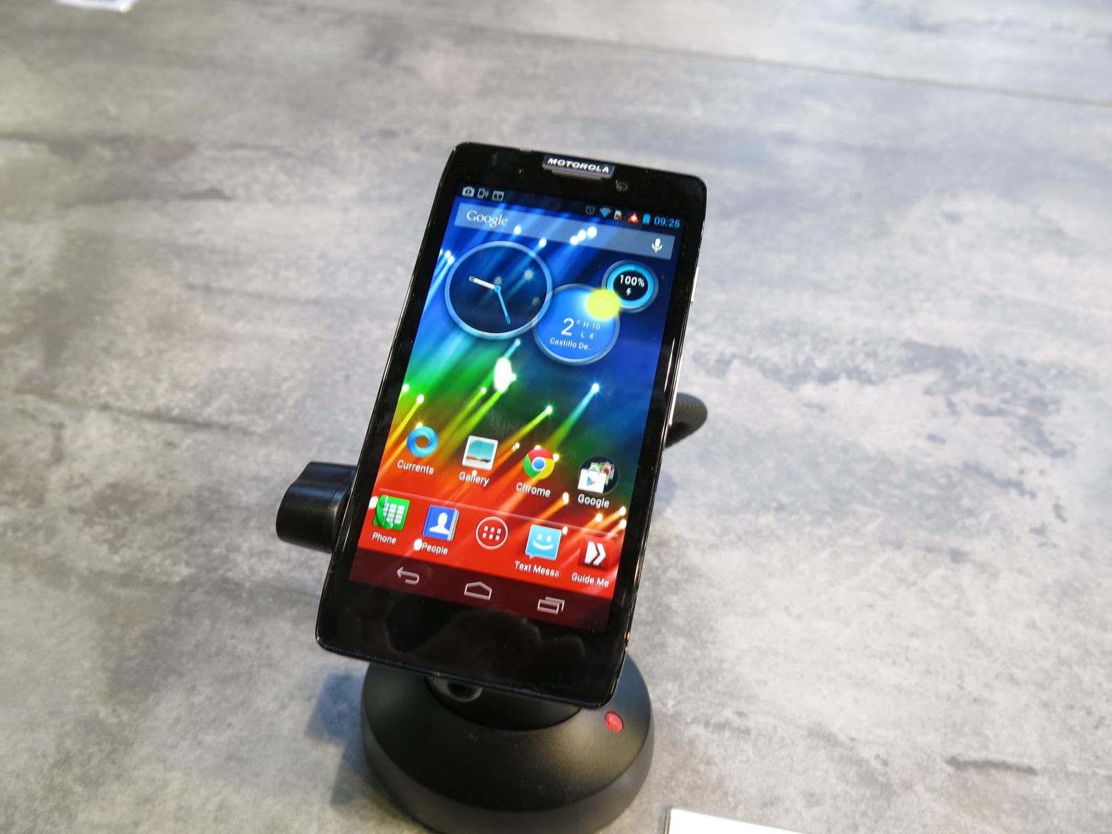 MWC 2013: Motorola RAZR HD Hands on in Barcelona, Ghost of ...