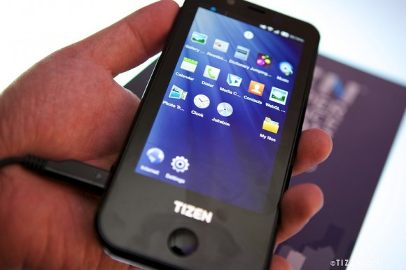 samsung_tizen_developer_phone-580x386