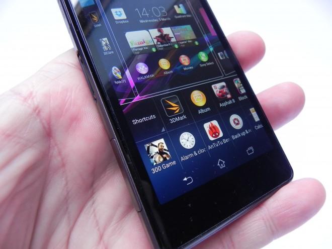 Sony-Xperia-Z1-Compact-review-GSMDome-com_29