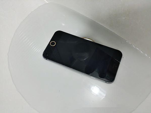 waterproof-Apple-iPhone-6