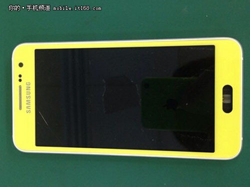 Alleged-Samsung-Galaxy-S6-leaked-images3
