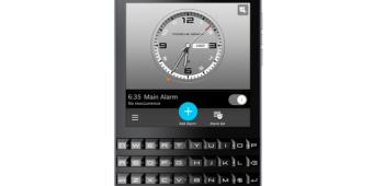 The-BlackBerry-Porsche-Design-P9983-Graphite.jpg