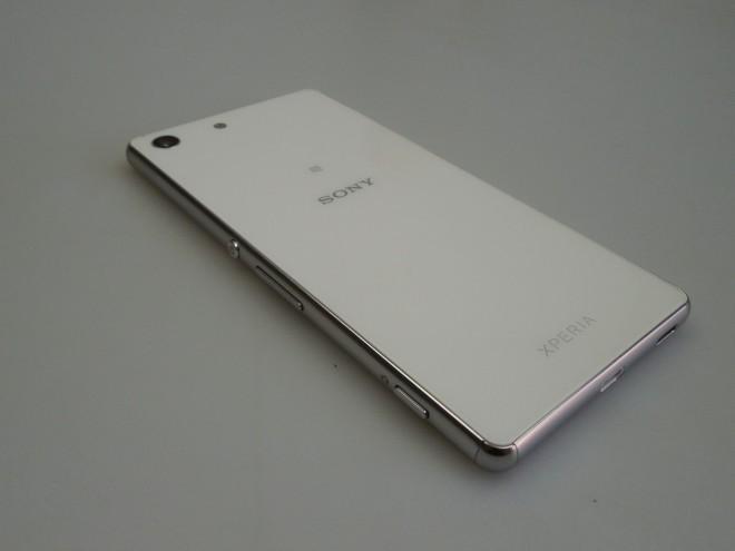 Sony-Xperia-M5_050