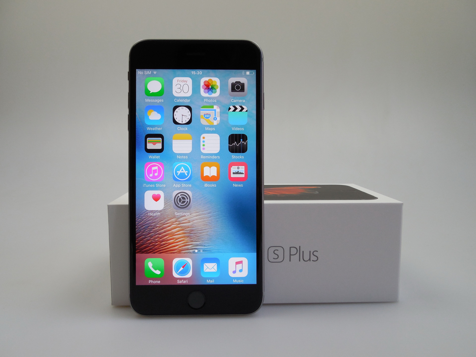 iphone 6s plus unboxing fancy glass and fancy touches. Black Bedroom Furniture Sets. Home Design Ideas