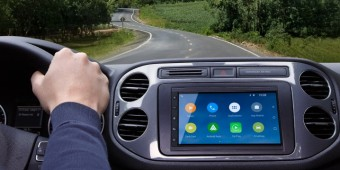 Parrot-RNB6-Android-Auto-head-unit-718x404