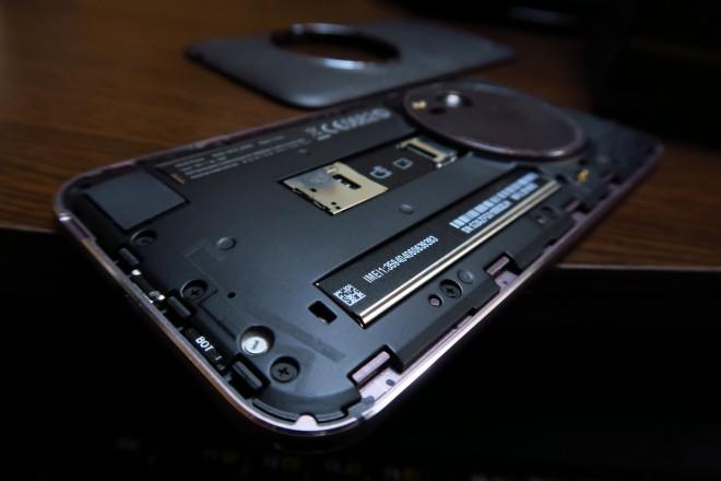 ASUS-ZenFone-ZOOM_026