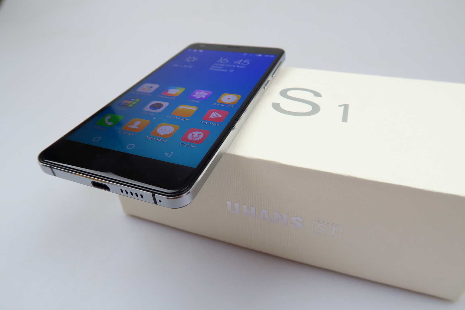 UHANS S1 Unboxing: Loads of Accessories and an iPhone 4 Lookalike ...