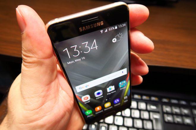 Samsung-Galaxy-A3-(2016)_017