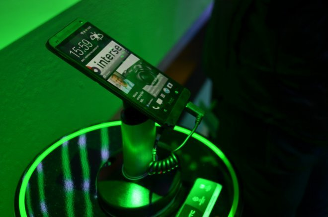 HTC-One_02