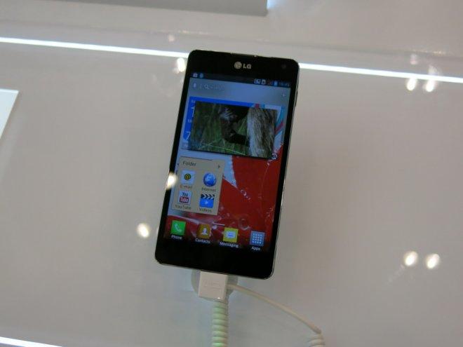 LG-Optimus-G_01