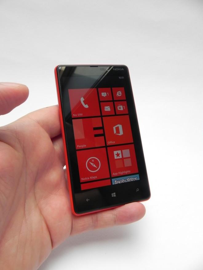 Nokia-Lumia-820-review-GSMDome-com_02