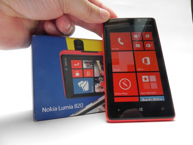 Nokia-Lumia-820-review-GSMDome-com_32
