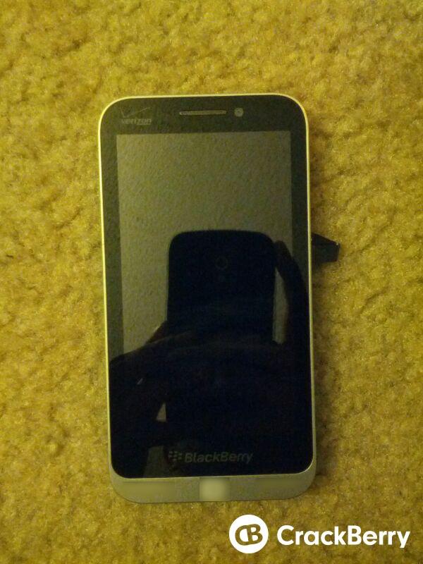 BlackBerry C Series Smartphone Leaks in Fresh Pictures ...