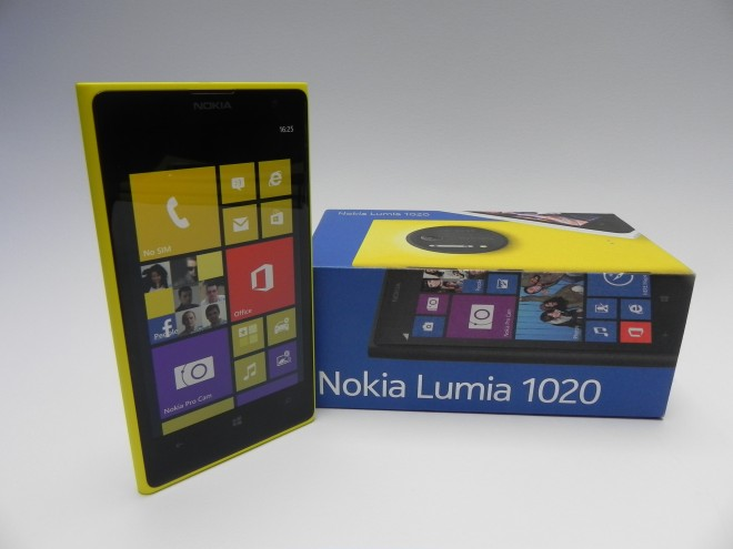 Nokia-Lumia-1020-review-gsmdome-com_03