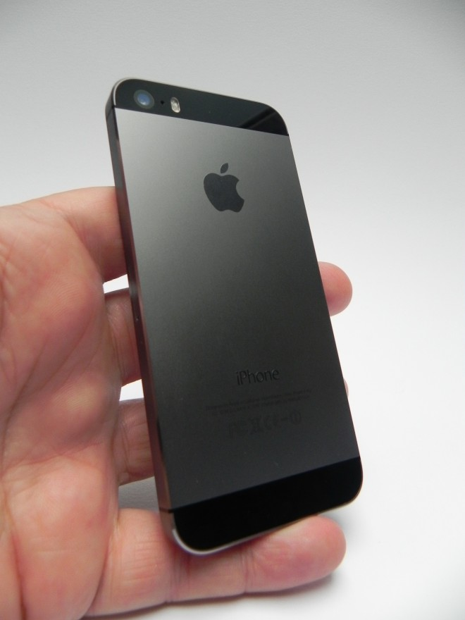how much does iphone weigh iphone 5s review much of the predecessor 17042