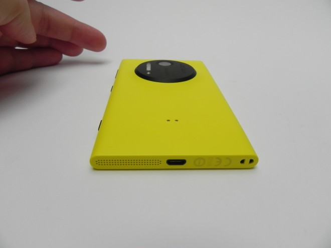 Nokia-Lumia-1020-review-gsmdome-com_17