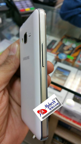 Leaked-pictures-and-specs-of-the-Samsung-Z1 (1)
