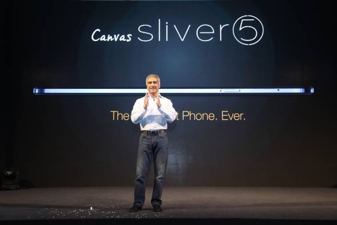 vineet-taneja-ceo-micromax-launching-the-worlds-slimmest-phone-canvas-sliver-5