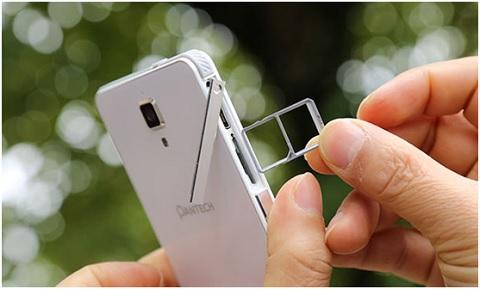 smartphone-cua-Pantech-2