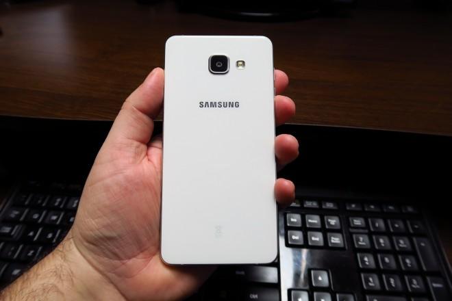 Samsung-Galaxy-A7-(2016)_018