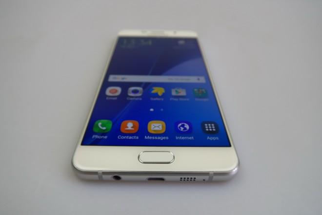 Samsung-Galaxy-A7-(2016)_065