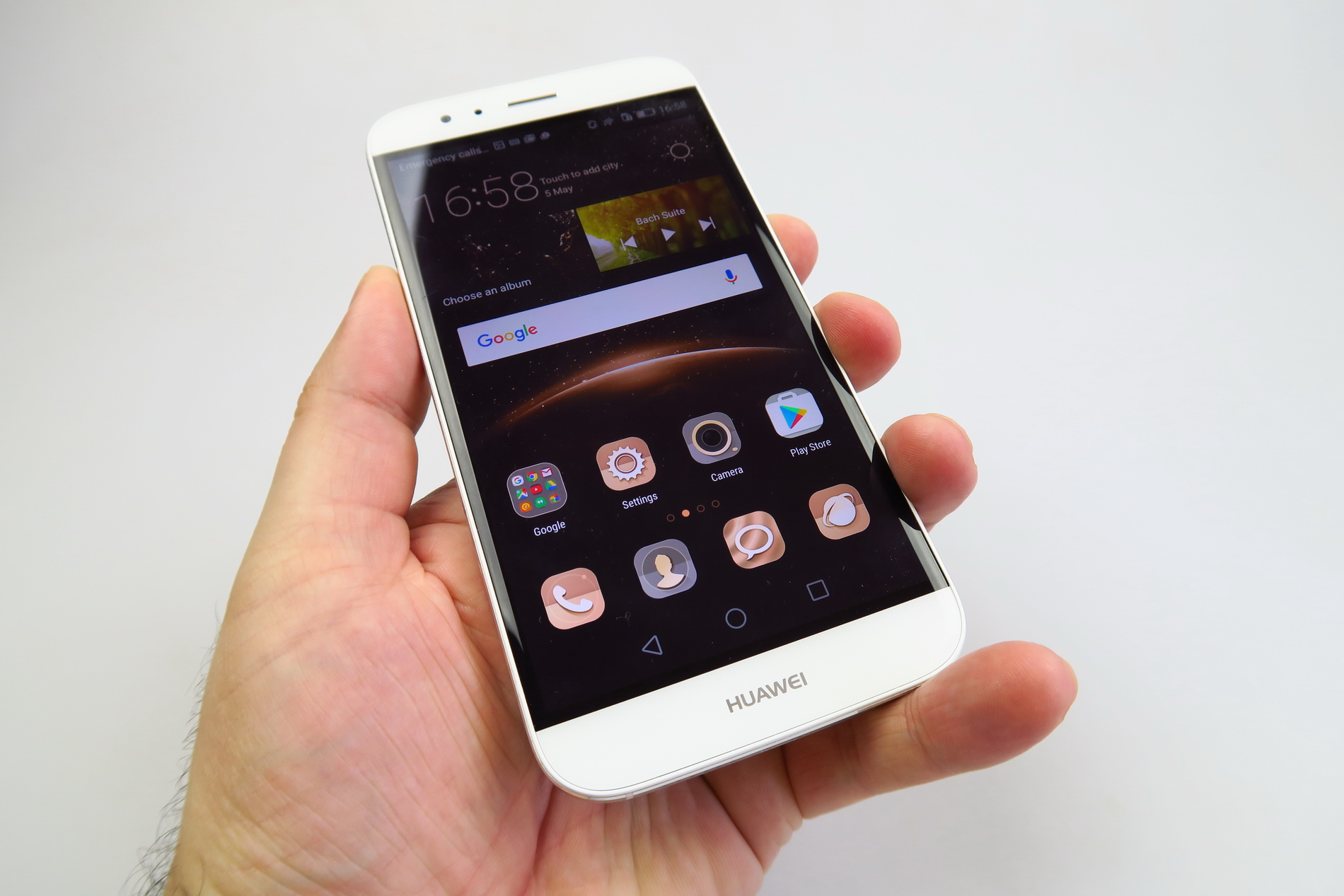 Huawei G8 Review: Finally an Interesting Design from