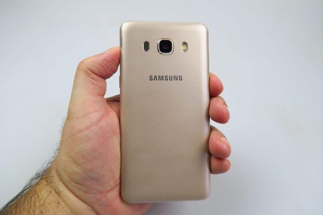 Samsung-Galaxy-J5-(2016)_080