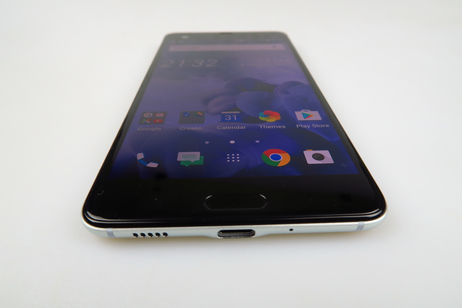 htc u ultra review feels like a phone made for them not u still it comes with a solid. Black Bedroom Furniture Sets. Home Design Ideas