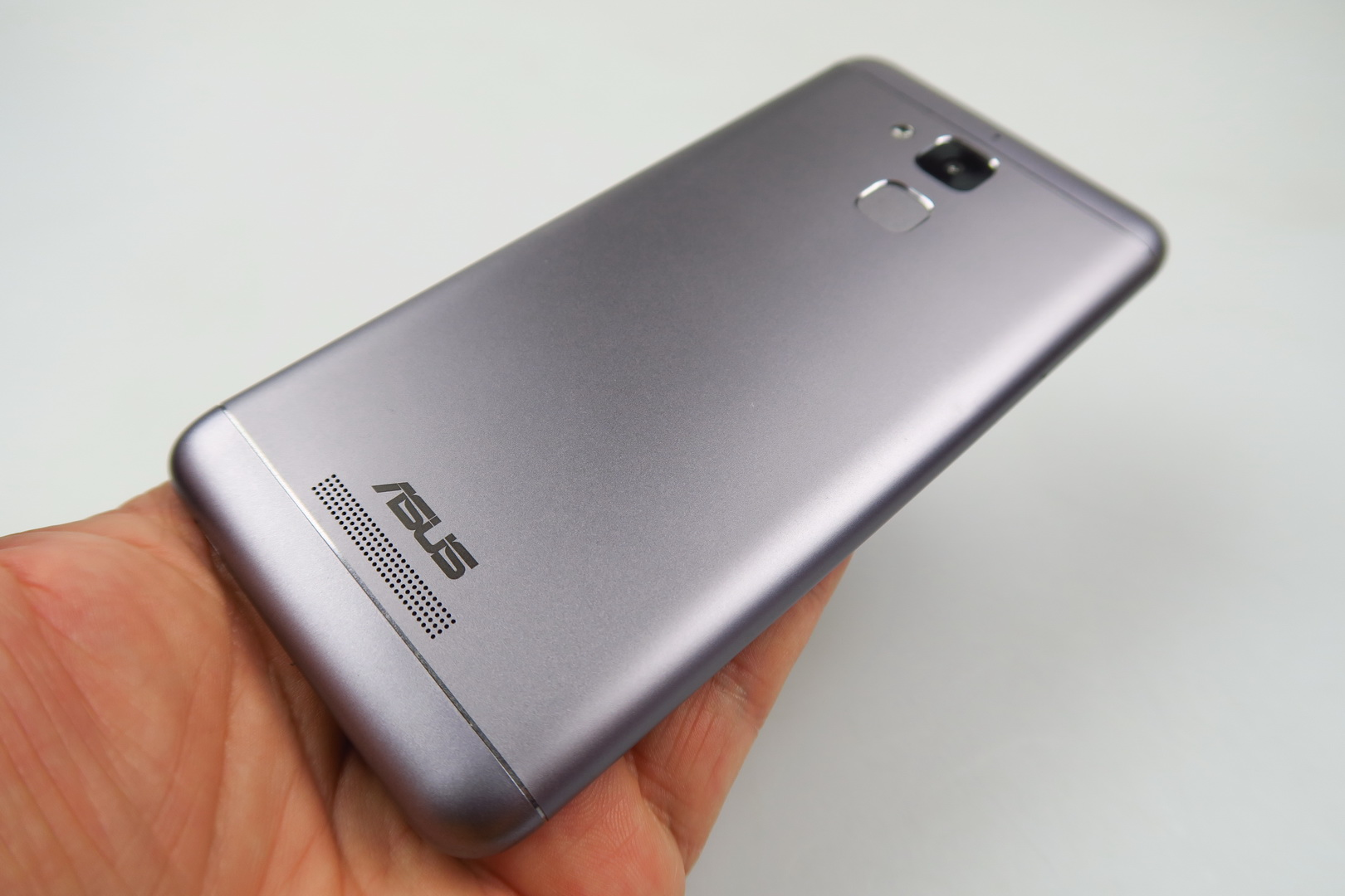asus zenfone 3 max review semi battery phone with good. Black Bedroom Furniture Sets. Home Design Ideas