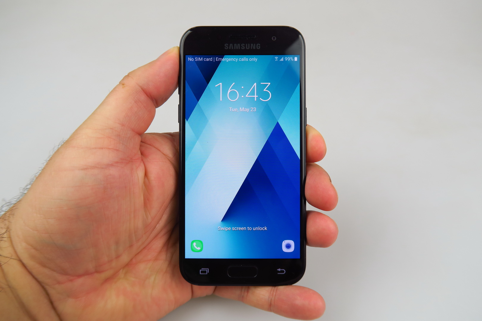 Samsung Galaxy A3 (2017) Review: The Little Galaxy That Could (Video